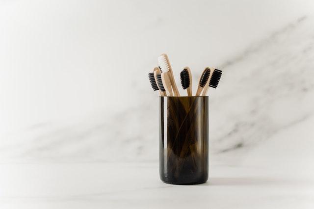 cepillo de dientes de bambú biodegradable